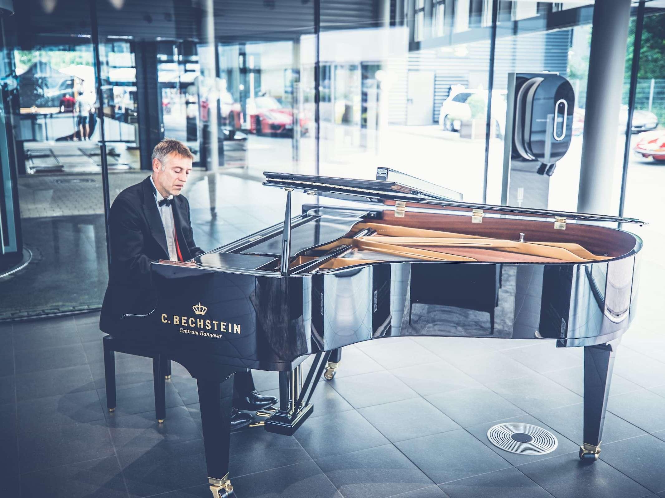 Band | Hannover | Liveband | Livemusik | Jazzband | Swingband | Popband | Swing | Jazz | Motown | Soul | Pianist | Klavierspieler | Hochzeit | Messe | Firmenfeier | Charity | Gala | Buchen | Mieten |Anfragen |Modern-Jukes