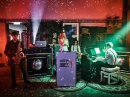 Band | Hannover | Liveband | Livemusik | Partyband | Jazzband | Swingband | Lounge | Hochzeitsband | Popband | Jazz | Motown | Soul |Hochzeit | Messe |Firmenfeier | Charity | Gala | Buchen | Mieten | Anfragen |Modern-Jukes