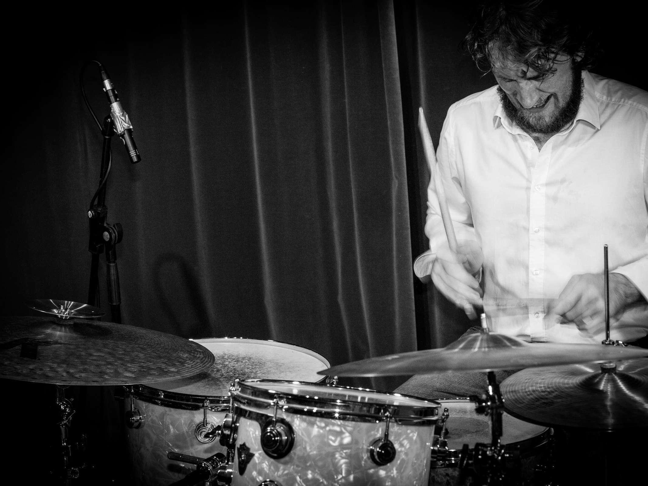Band | Hannover | Liveband |Livemusik | Walking | Act |Partyband |Popband | Jazzband |Swingband |Messeparty |Lounge |Soul |Popmusik |Jazz | Schlagzeug |Drummer |Drums | Hochzeit |Messe |Firmenfeier | Charity |Gala |Buchen