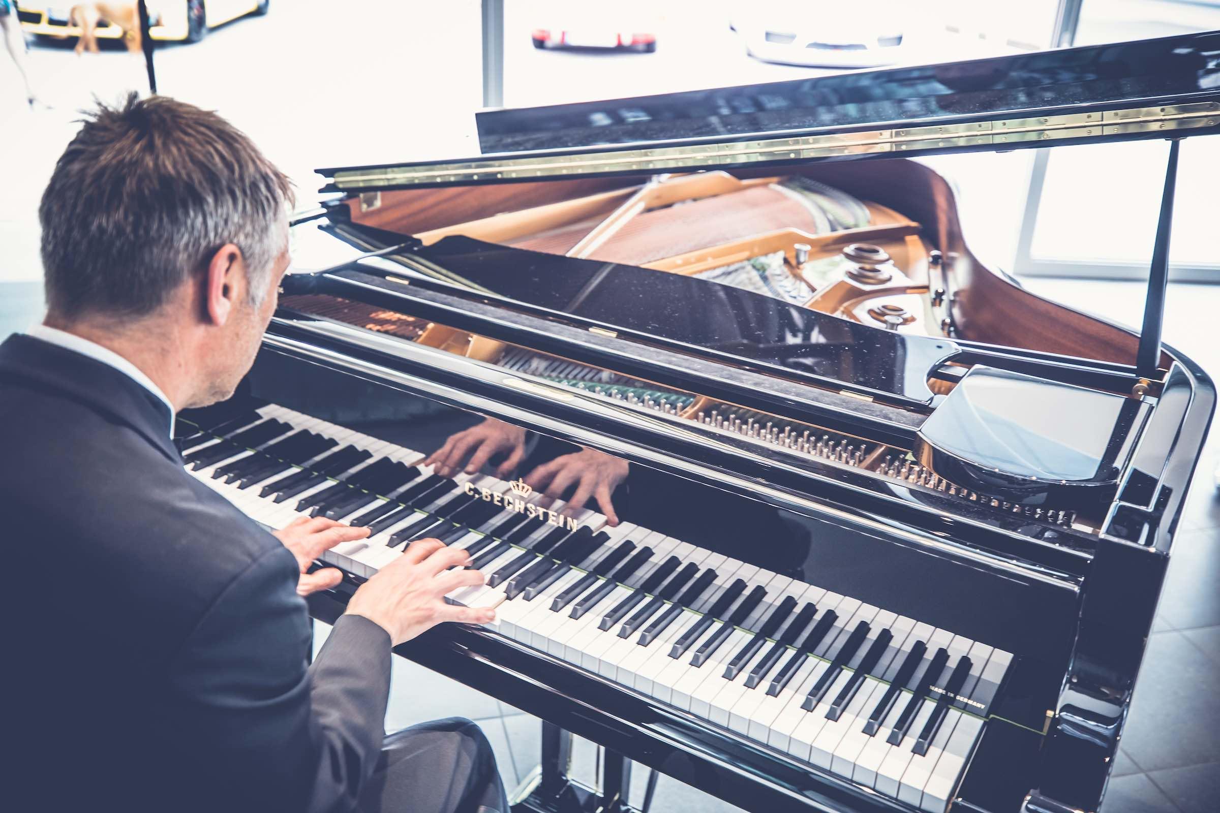 Band | Hannover | Liveband | Partyband | Jazzband | Swingband | Lounge | Pop | Jazz | Klavierspieler | Pianist | Piano | Hochzeit | Trauung | Messe | Firmenfeier | Charity | Gala | Buchen | Mieten | Anfragen |Modern-Jukes
