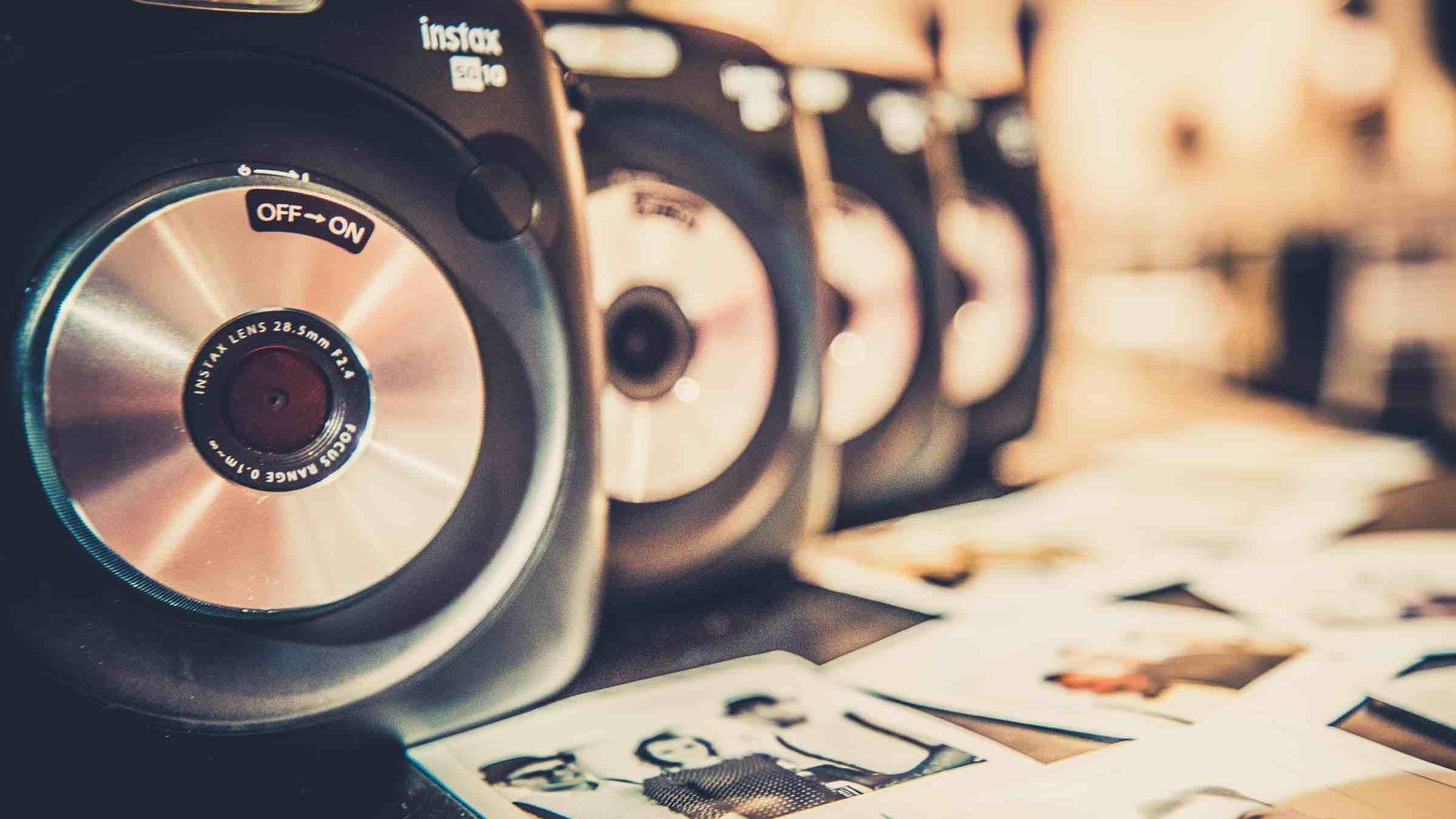 Polaroid | Kamera | Mieten | Koffer | Bilder | Instax | Mieten | Hochzeit 7 Wedding | Sofortbild | Retro | Sofortbildkamera | Buchen | Knipsel