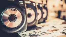 Polaroid   Kamera   Mieten   Koffer   Bilder   Instax   Mieten   Hochzeit 7 Wedding   Sofortbild   Retro   Sofortbildkamera   Buchen   Knipsel