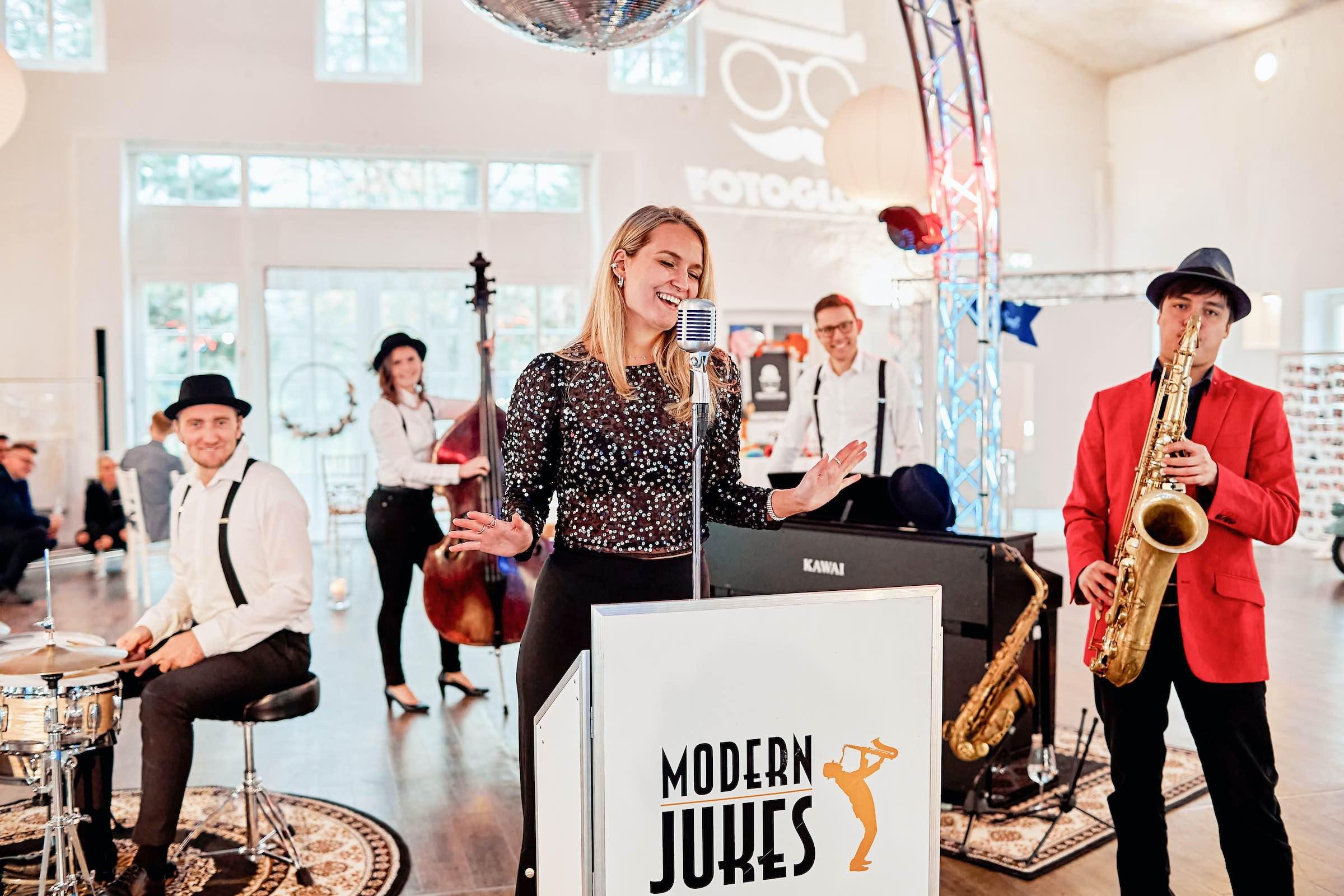 Band | Event | Hannover | Buchen | Popband | Partyband | Sektempfang | Party | Trauung | Dinner | Buchen | Mieten | Modern | Jukes